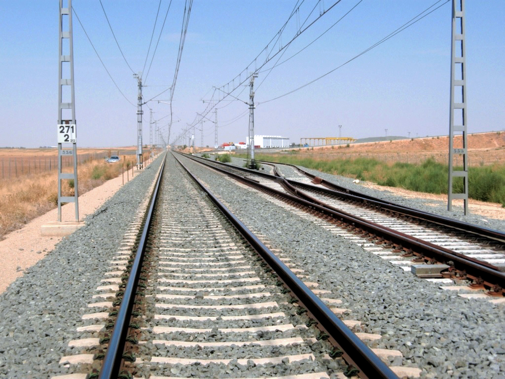 Adequacy of security and communications installations of the conventional gauge lines for the new railway access of high speed Levante