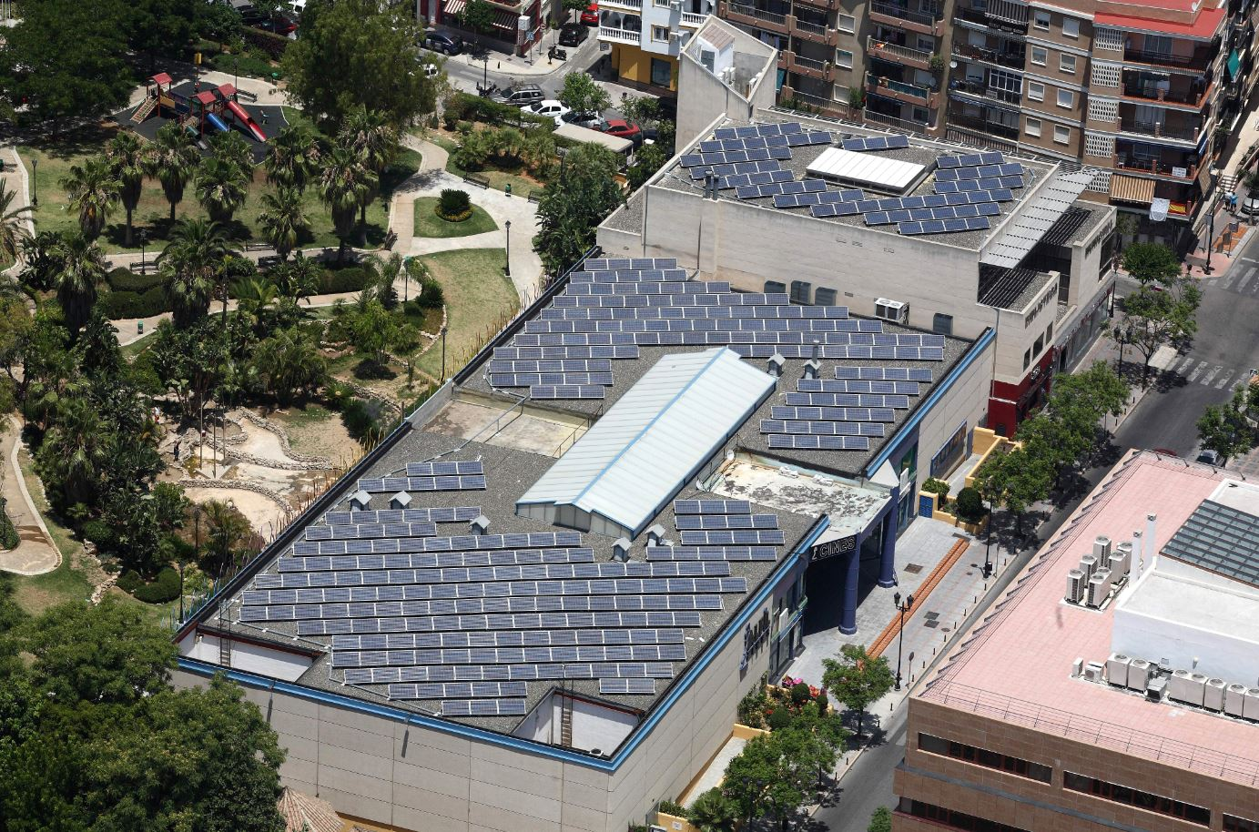 Fuengirola municipal roofs concession for the construction and operation of photovoltaic facilities