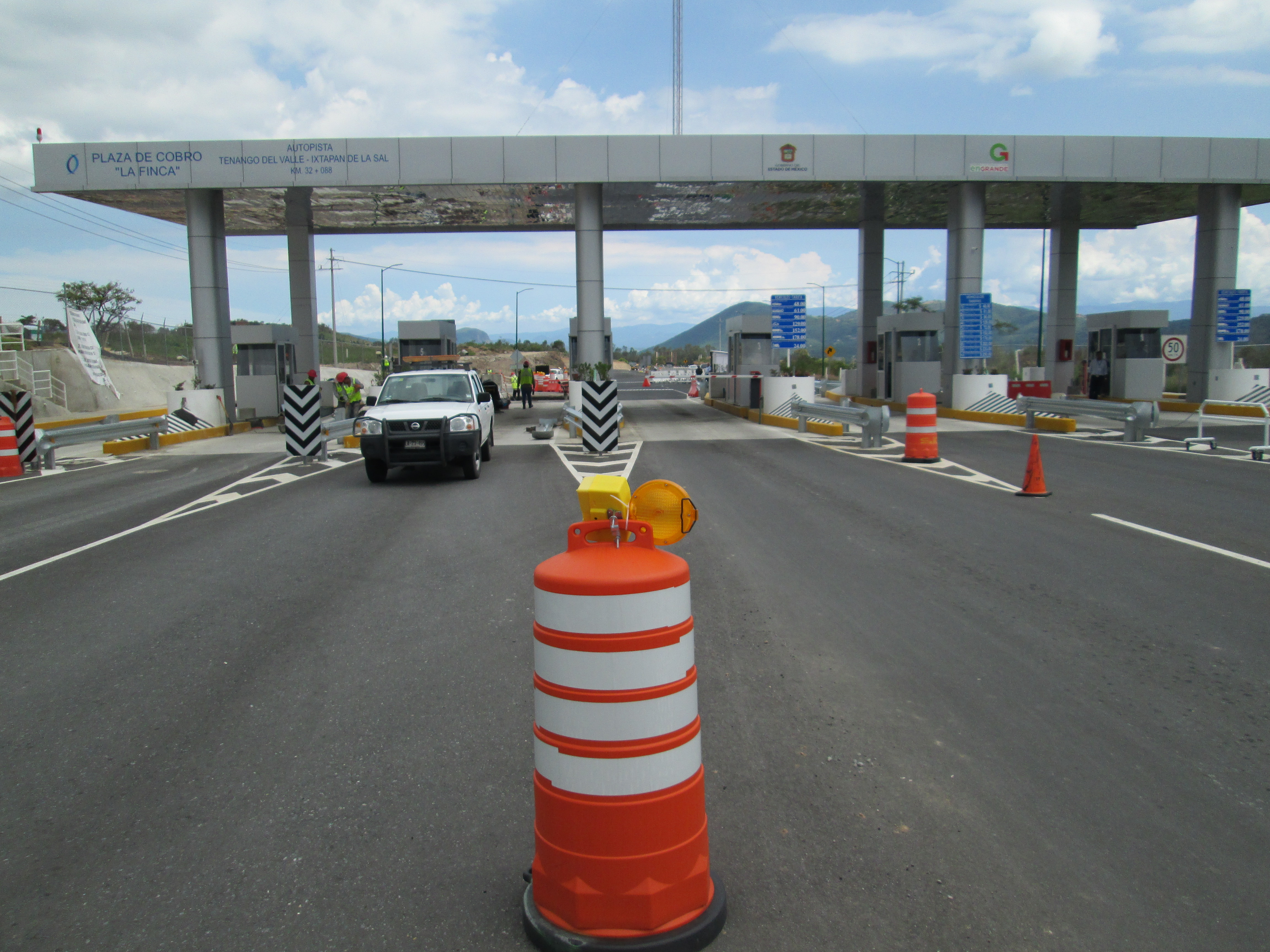 Toll and Electronic Toll Collection systems for the new toll plaza of La Marquesa-Lerma Highway, Section 2 in Mexico