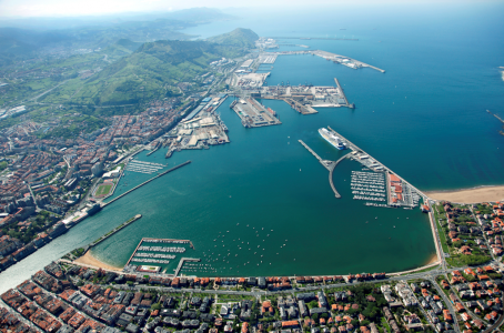 The Bilbao Port Authority reorganizes low voltage electrical installations and lighting of the AZ-3 dock